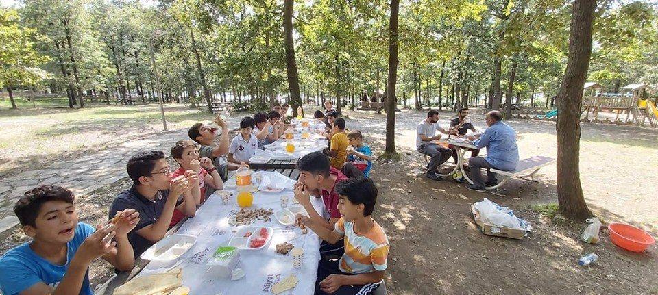 Vakfımızın Selmani Farisi Şubesi öğrencilerimiz ile birlikte piknik etkinliğimizden...