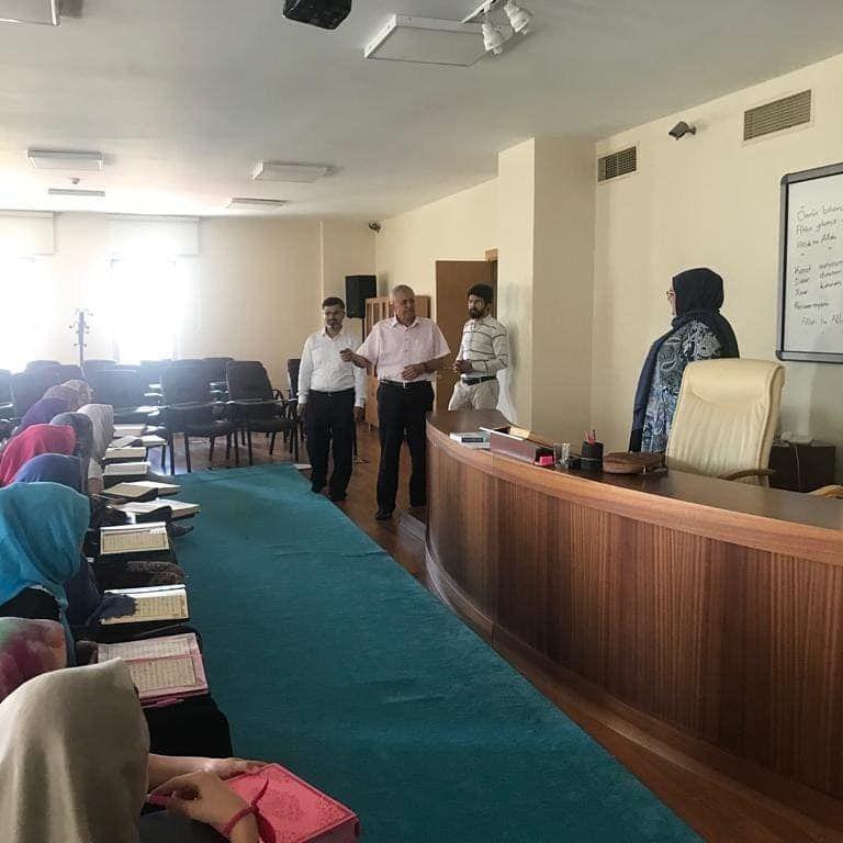 Vakıf Başkanımız Sn. Av. Turan Kıratlı Elmalılı Hamdi Yazır Kuran Akademimizde düzenlemiş olduğumuz yaz okulu etkinliğimiz...